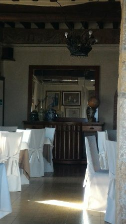 Ristorante Taverna del Falconiere: Una vista della saletta piccola