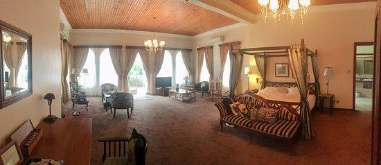 House of Waine: Malaika Suite