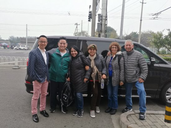 English speaking driver in Beijing: Great service, spacious and comfortable vehicle 6 passengers. When I contacted John, he replied