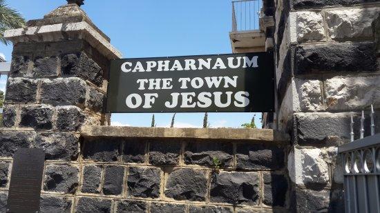 MÉDITATIONS CHRÉTIENNES POUR TOUTE L`ANNÉE - Pere Buse`e - Cie de Jésus - année 1708 Capharnaum-the-town-of