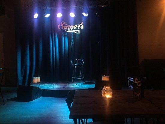 Singer's Karaoke Bar