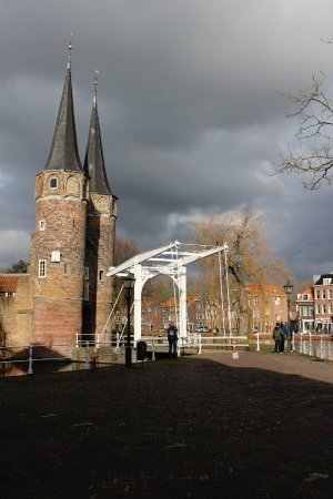 Oostpoort : Gates with the bridge.
