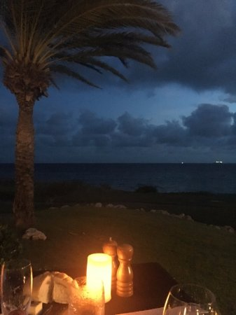 Santa Barbara Beach & Golf Resort, Curacao: Dinner at Shore!