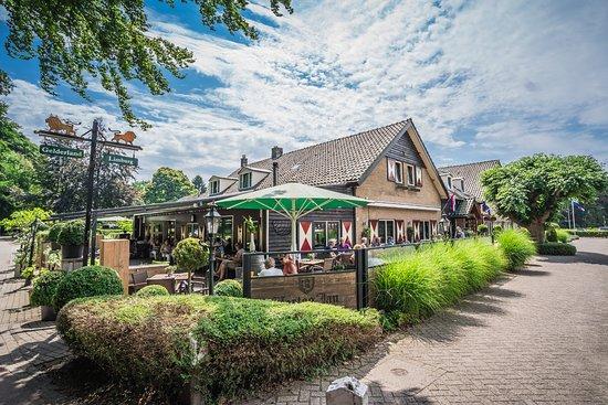 't Zwaantje: Midden in de bossen aan de rand van de Mookerheide in het topje van Limburg