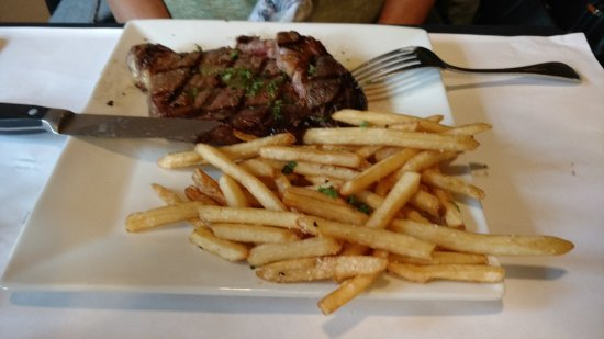 HopScotch & Vine: Ribeye with fries