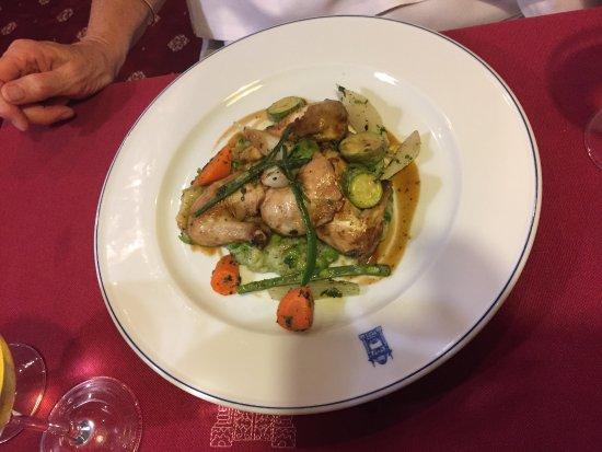 El Minzah Hotel: Curry Chicken