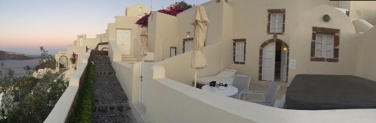 Outdoor terrace/jacuzzi area to our room