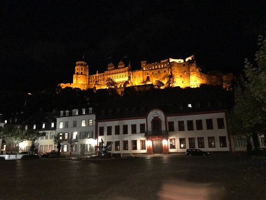 Villa Benz - Hotel Garni: Heidelberg Castle is 30 minutes drive from Hotel Villa Benz. I always prefer to stay at Villa Be