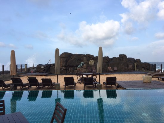Thaproban Pavilion Resort and Spa : Beach & Pool