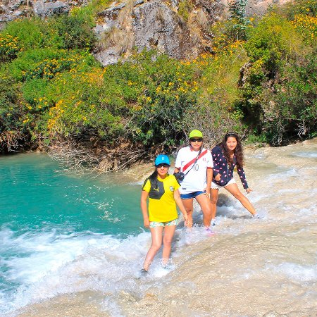 Huancaraylla, بيرو: Disfrutando de las Aguas Turquesas