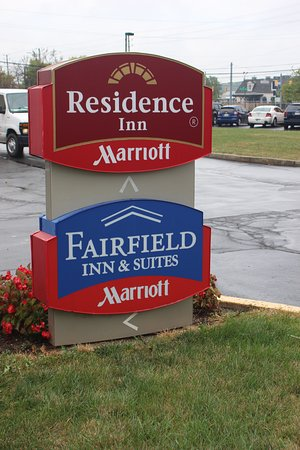 sign picture of fairfield inn suites indianapolis airport rh tripadvisor com