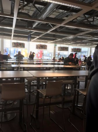 Hengelo, Países Bajos: Seating in the upstairs restaurant.