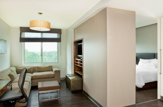 Hanover, MD: One Bedroom Suite