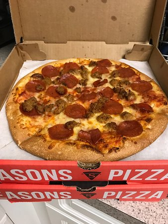 Cockeysville, MD: Seasons Pizza