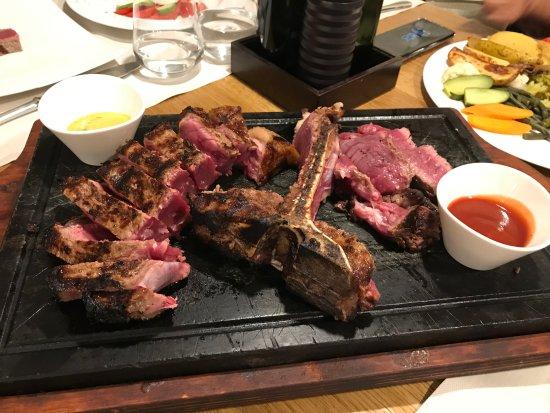 Picture of tonazzo 1888 carneria ristorante for Porterhouse steak vs t bone