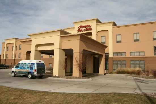 Welcome to Hampton Inn & Suites Scottsbluff-Conference Center