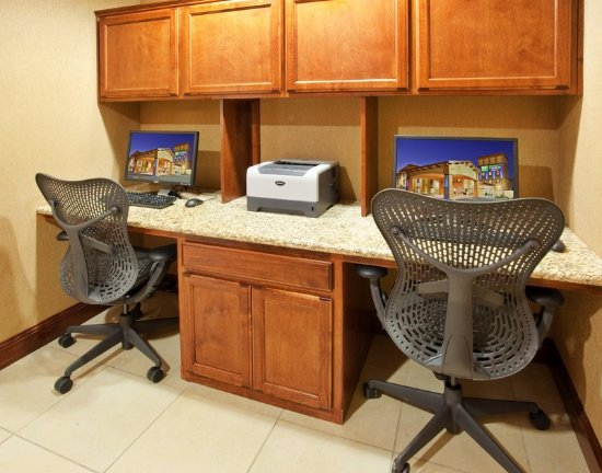 Willows, CA: 24 hour business center with 2 computers and printer.