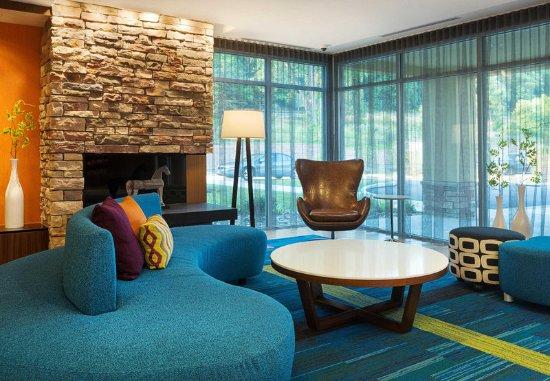 Belle Vernon, Pensilvania: Lobby Seating Area