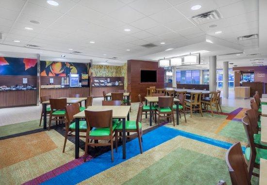 fairfield inn suites bloomsburg 110 1 2 7. Black Bedroom Furniture Sets. Home Design Ideas