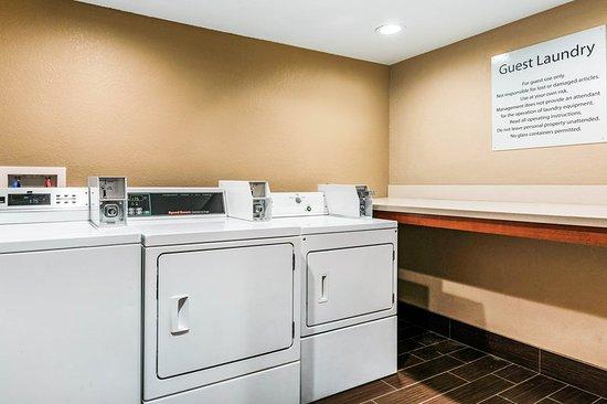 Comfort Inn: Laundry