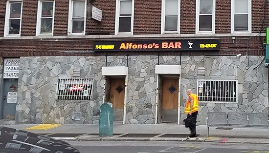 Elmhurst, NY: the bar
