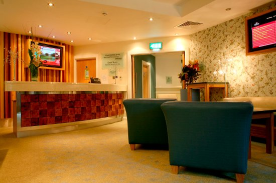 Crowne Plaza Hotel Dublin Airport: A beautiful and comfortable reception area