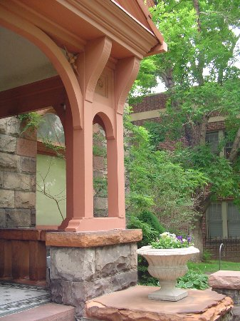 Molly Brown House Museum : Front Entry post detail