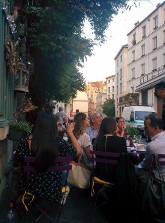 Au Vieux Paris d'Arcole : outside seating