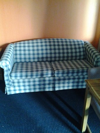 Ashland, WI: The 1970s couch