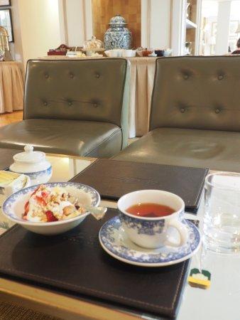 Le Reve Hotel Boutique: Healthy Selections and Enjoyable Public Spaces