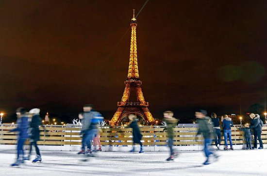 Christmas in Paris 4-Day Tour from...