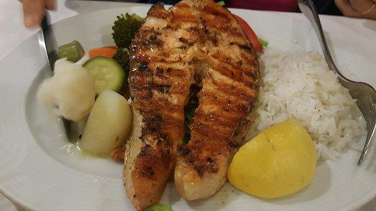 Nikolas Taverna: Grilled Salmon