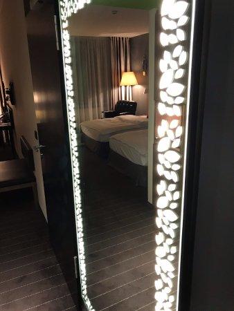 Spiegel beleuchtet bild von m venpick hotel stuttgart for Spiegel 06 2018