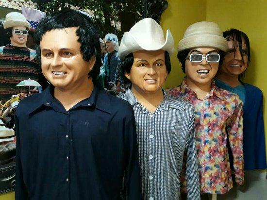 Embaixada de Pernambuco Bonecos Gigantes de Olinda