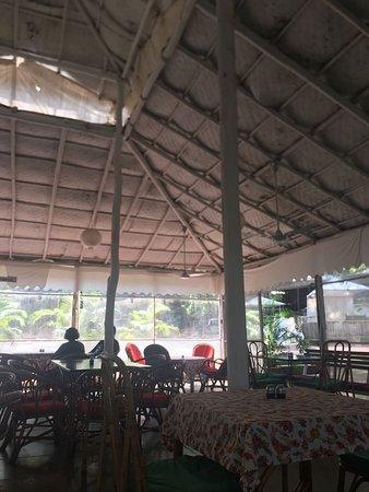 Lila Cafe: Restaurant
