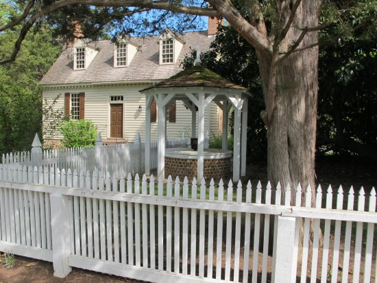 The Nicolas Tyler Laundry Picture Of Colonial Houses Colonial