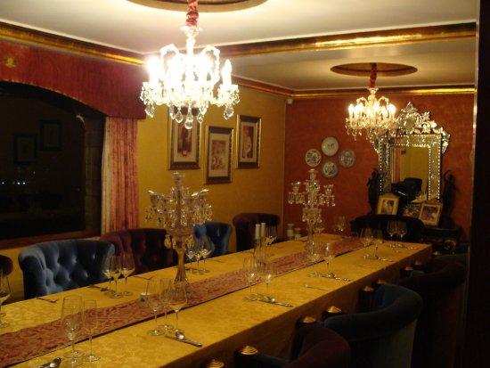 Genial Hanwant Mahal: ROYAL DINING ROOM