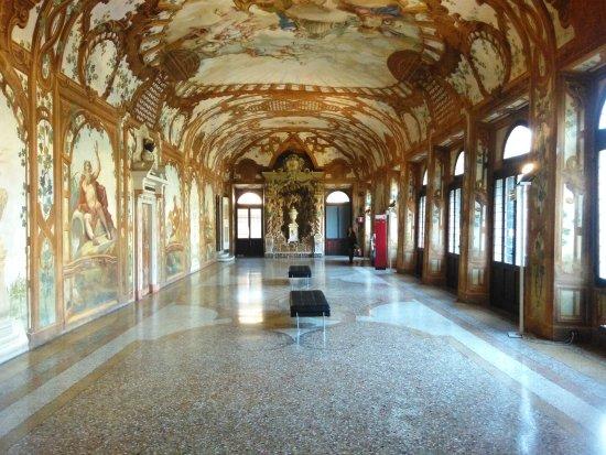 una stanza picture of palazzo ducale mantova mantua