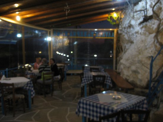 Alikes - real Greek family tavern