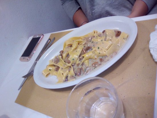 Province of Pisa, Italy: pappardelle ai porcini