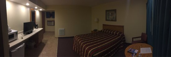 Black Hawk Motel & Suites: Meticulously clean and well kept motel
