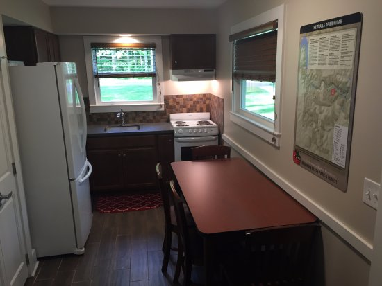 Loudonville, OH: Cabin Kitchen
