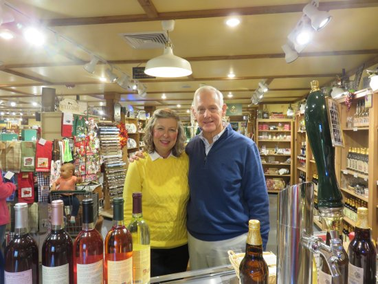 Fly Creek Cider Mill & Orchard: Cider tasting!