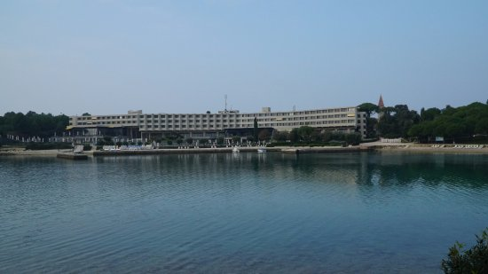 Island Hotel Istra: View of the hotel from the small island