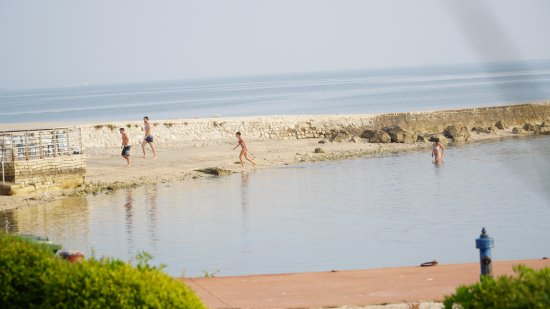 Island Hotel Istra: One of the many small beaches on the island