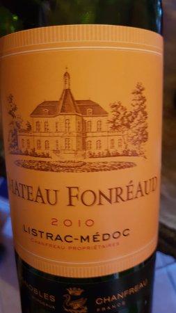 Listrac-Medoc, Frankrijk: Etiket van de wijn.