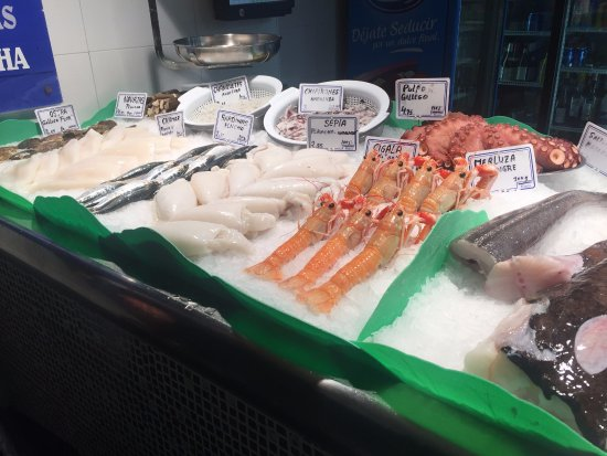 Peix d'or: bancone del pesce