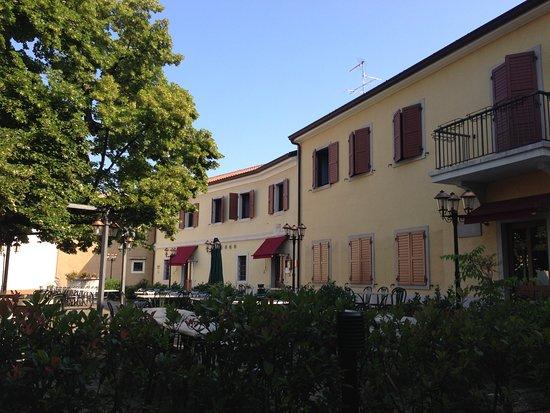 Basovizza, Italia: tipikus olasz ristorante
