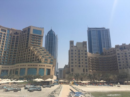 Bahi Ajman Palace Hotel Photo