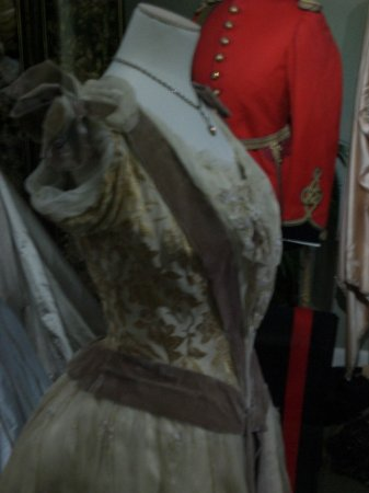 Totnes Fashion & Textile Museum (small exhibition)